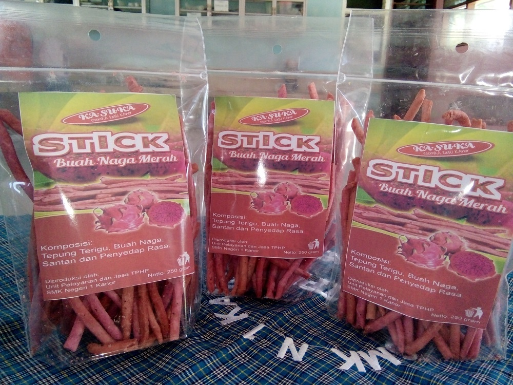 stick buah naga merah olahan makanan siswa smk negeri 1 kanor